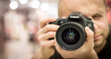 Grafika do blogposta na temat monitoringu internetu dla fotografów.