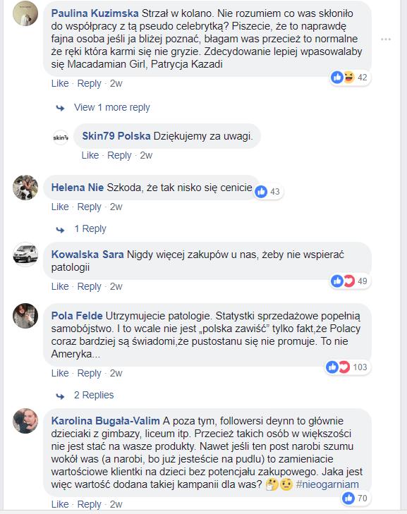 Grafika przedstawiająca post na stronie Skin79 Polska z Deynn i komentarze