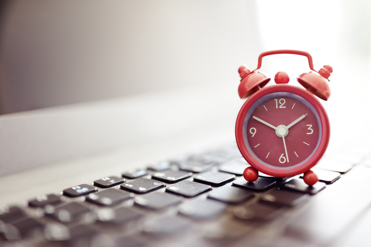 jak zwiększyć zasięg na Instagramie? - czas publikacji jako jeden z czynników